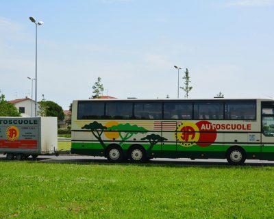 Autobus con rimorchio patente DE